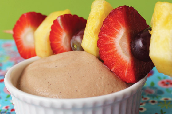 Chokoladedyp med frugtspyd