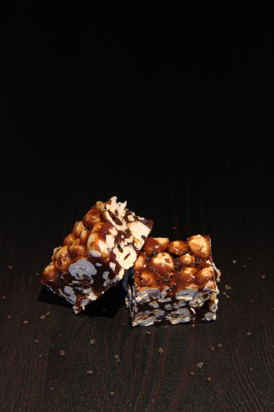 Lakridskaramelbrud med popcorn